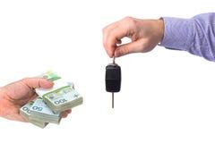 Carro novo de compra para o dinheiro imagem de stock royalty free