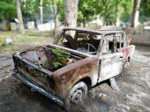 Carro oxidado velho Avtomobile imagens de stock