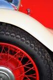Carro, pára-choque, roda, e pneu britânicos do vintage Fotografia de Stock Royalty Free