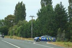 Carro-patrulha da polícia de Nova Zelândia perto de Rotorua, ilha norte, Nova Zelândia fotos de stock