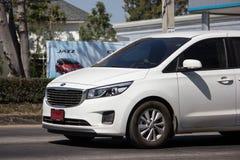 Carro privado de MPV, Kia Carnival imagem de stock
