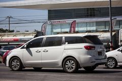Carro privado de MPV, Kia Carnival imagens de stock royalty free