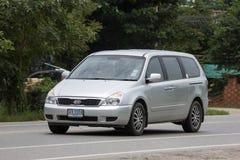 Carro privado de MPV, Kia Grand Carnival imagens de stock