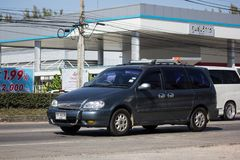 Carro privado de MPV, Kia Grand Carnival imagem de stock royalty free