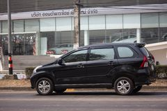 Carro privado de Toyota Avanza fotos de stock