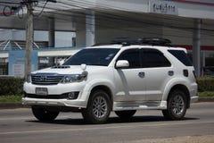 Carro privado do suv, Toyota Fortuner Fotografia de Stock