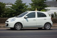 Carro privado Nissan March de Eco Imagens de Stock Royalty Free