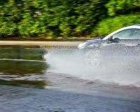 Carro que hidroplana fotos de stock royalty free