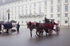 Carro que libra en las calles de Viena Imagen de archivo