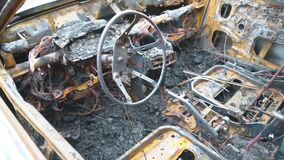 Carro queimado video estoque
