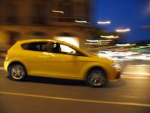 Carro rápido na noite Imagens de Stock