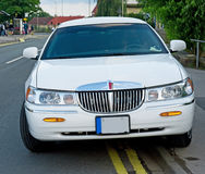 Carro ruim estacionado. Imagens de Stock