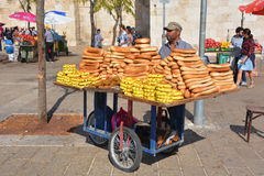 Carro típico del pan del panecillo Foto de archivo
