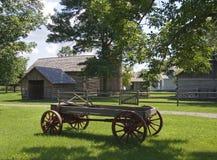Carro traído por caballo de la granja Imagenes de archivo
