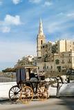 Carro traído por caballo en el valetta Malta Imagen de archivo