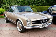 Carro velho clássico Imagens de Stock Royalty Free