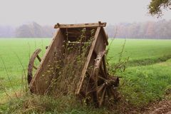 Carro velho da madeira Fotografia de Stock Royalty Free