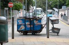 Carro velho do petisco estacionado na rua em Hong Kong Fotografia de Stock