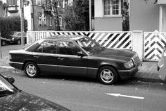 Carro velho do viev lateral Imagens de Stock Royalty Free
