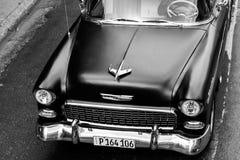 Carro velho em preto e branco Fotografia de Stock