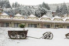 Carro velho na neve Imagem de Stock Royalty Free