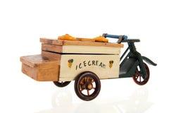 Carro velho para o gelado Imagens de Stock