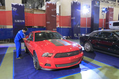 Carro vermelho do mustang do baixio Foto de Stock Royalty Free