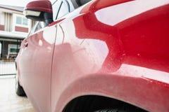 Carro vermelho sujo Fotografia de Stock Royalty Free