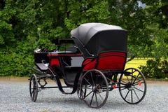 Carro viejo, diligencia tirada por los caballos imagen de archivo