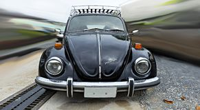 Carro Volkswagen Beetle do vintage Fotografia de Stock Royalty Free