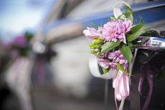 Carro Wedding decorado fotos de stock royalty free