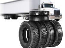 Carro y neumáticos. Imagen de archivo