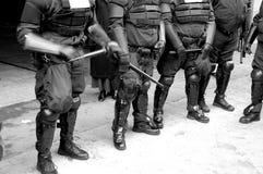 Carrocerías de la policía en antidisturbios Imagen de archivo