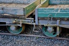 Carros abandonados de madera viejos del tren foto de archivo libre de regalías