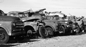 Carros antigos para fora oxidados Imagens de Stock Royalty Free