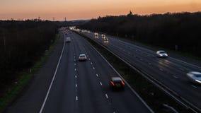 Carros borrados na estrada fotografia de stock royalty free