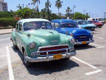 Carros coloridos em Havana, Cuba Imagens de Stock Royalty Free