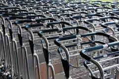 Carros da bagagem do aeroporto Foto de Stock