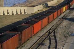 Carros de carvão vermelhos em St Louis do leste, Missouri Fotografia de Stock Royalty Free