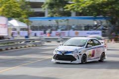 Carros de competência no Motorsport de Toyota fotos de stock