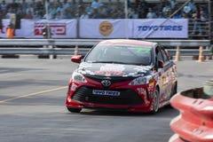 Carros de competência no Motorsport de Toyota fotografia de stock