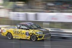 Carros de competência no Motorsport de Toyota foto de stock
