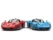 Carros de esportes lindos do conceito - vermelhos e azuis com detalhes pretos ilustração royalty free