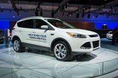 Carros de Ford Escape Hands-Free Liftgate na exposição no LA auto S imagens de stock royalty free