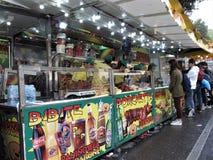 Carros de la comida de la calle en Roma, Italia imágenes de archivo libres de regalías