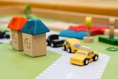 Carros de madeira coloridos fotos de stock royalty free