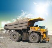 Carros de mina amarillos Foto de archivo libre de regalías