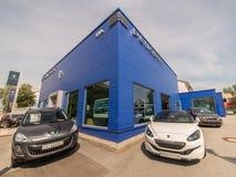Carros de Peugeot imagens de stock