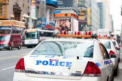 Carros de polícia na 42nd rua Fotografia de Stock