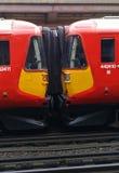 Carros de trem juntados com foles fotografia de stock royalty free